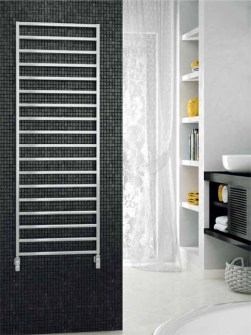 chrom-bathroom-radiator-winter