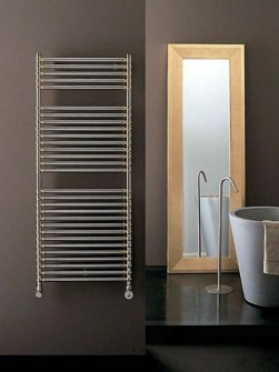 lora-chrome-radiator